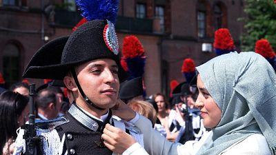 Carabinieri, giura anche musulmano Badar