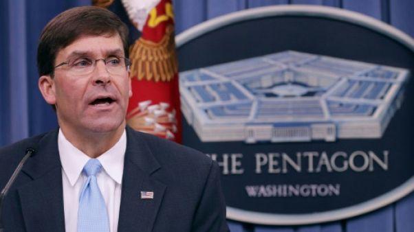 Mark Esper, alors secrétaire à l'armée de terre, le 13 juillet 2018 lors d'une conférence de presse au Pentagone
