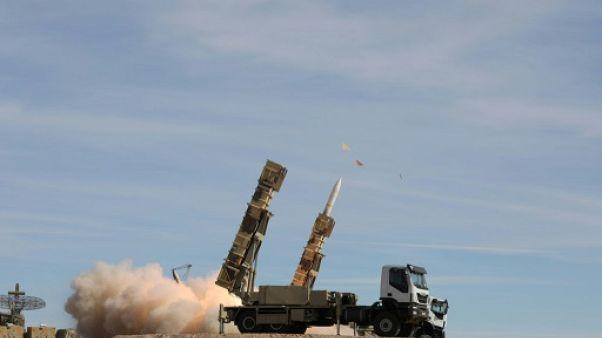 Une photo rendue publique par l'armée iranienne montre un lancement de missile Sayad pendant un exercice anti-aérien en novembre 2018