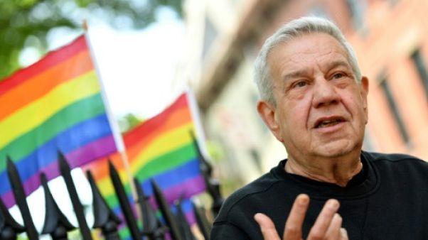Martin Boyce, devant le bar gay Stonewall Inn à New York, le 12 juin 2019