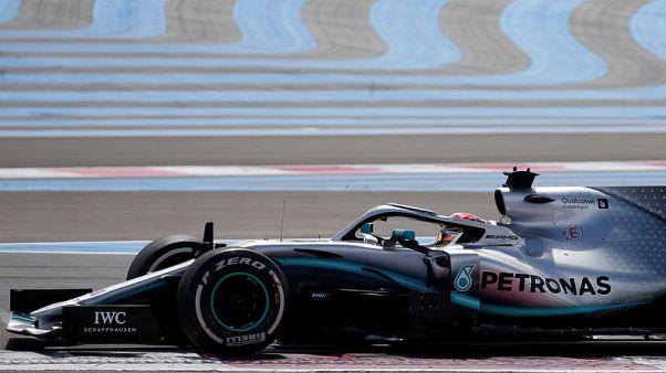 هاميلتون يفوز بسباق فرنسا ويقود مرسيدس للمركزين الأول والثاني