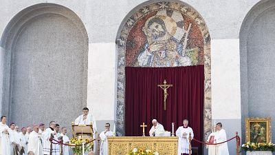 Papa: a Roma degrado,tanti in difficoltà