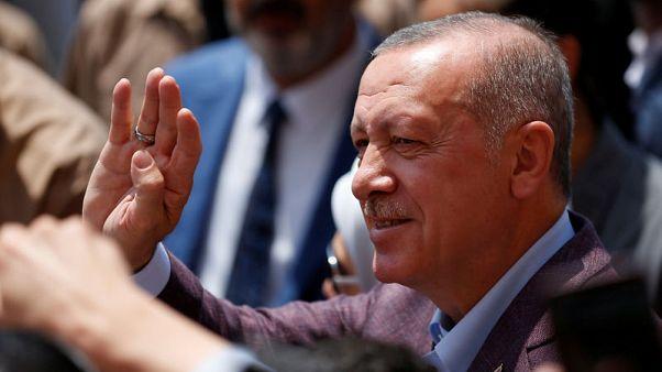 أردوغان يهنئ مرشح المعارضة إمام أوغلو في تغريدة على فوزه بانتخابات اسطنبول المعادة