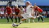 Rapinoe on the spot to take U.S. into quarter-finals