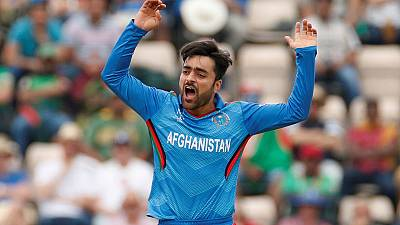 Afghan poster boy Rashid buckling under weight of expectations