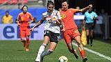 La milieu de l'Allemagne, Dzsenifer Marozsan (g), lors du match de phase de groupes du Mondial contre la Chine, à Rennes, le 8 juin 2019