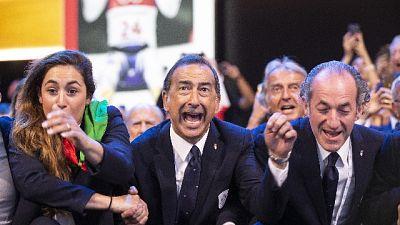 Sala, standing ovation consiglio Comune