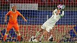 Martens sends Netherlands through to maiden quarter-finals