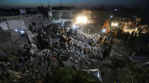 Syrie: neuf civils dont deux secouristes tués dans des raids du régime selon une ONG
