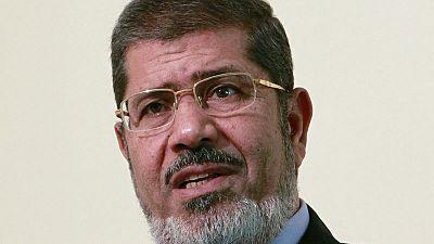 وفاة مرسي مسجونا تثير مخاوف على آخرين في سجون مصر