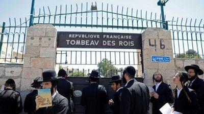 Des juifs ultra-orthodoxes veulent accéder au Tombeau des rois à Jérusalem, propriété de la France qui a rouvert les lieux à la visite, le 27 juin 2019