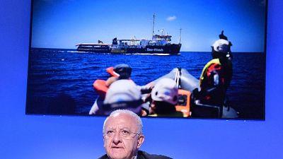 Sea Watch: De Luca, non violare leggi