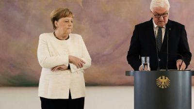 Merkel de nouveau prise de tremblements lors d'une cérémonie officielle