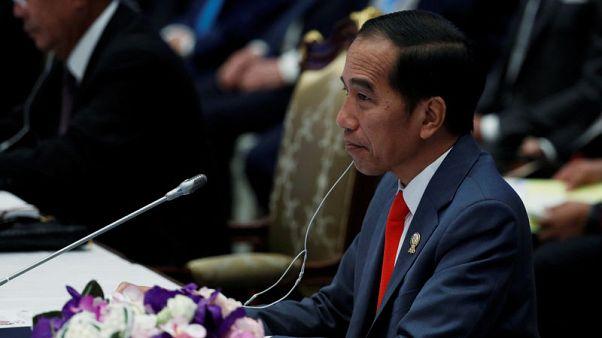 الرئيس الإندونيسي يدعو للوحدة بعد تأييد محكمة لفوزه في الانتخابات