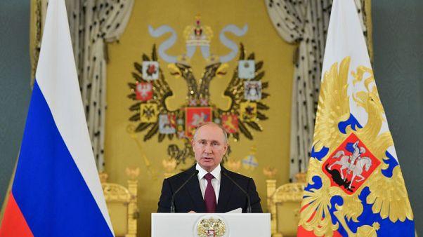 بوتين: اتفاق خفض إنتاج النفط ساعد في استقرار الأسواق العالمية