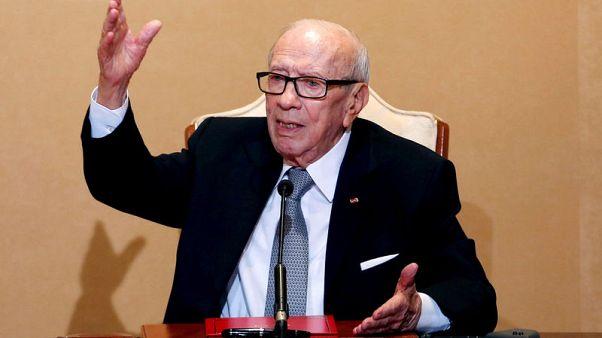 مستشار رئاسي تونسي: بدء تحسن الحالة الصحية للرئيس السبسي