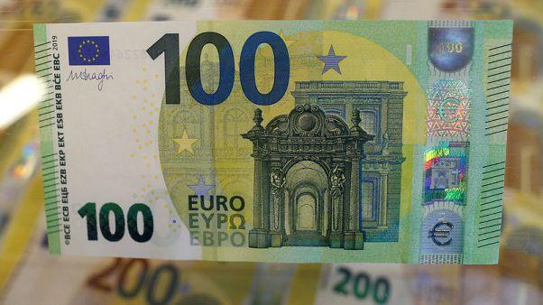 مصحح-اليورو يتجه صوب أكبر ارتفاع شهري في 17 شهرا قبل صدور بيانات التضخم