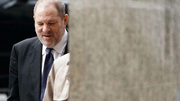هارفي واينستين يستعين بمحاميين جديدين في محاكمته بتهمة التحرش الجنسي