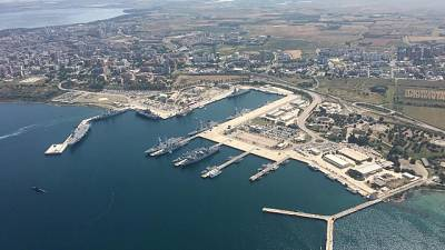 Sparatoria a Taranto, due feriti