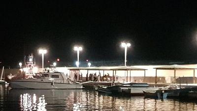 Sea Watch entra in porto Lampedusa