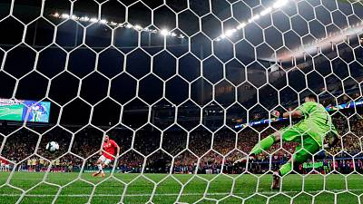 Chile beat Colombia in shootout to reach Copa semi-finals