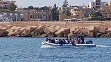 Sea Watch: iniziato sbarco migranti