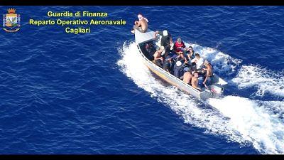 Sardegna,Gdf ferma barca con 13 migranti