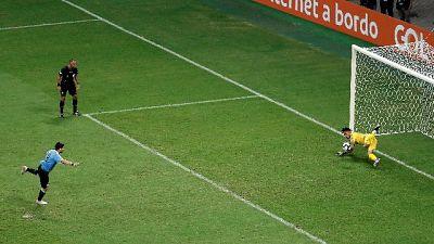 C.America: Uruguay ko,Perù in semifinale