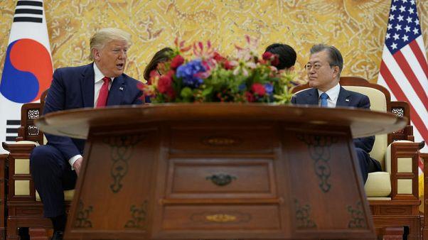 رئيس كوريا الجنوبية: المصافحة بين ترامب وكيم في المنطقة المنزوعة السلاح معلم مهم