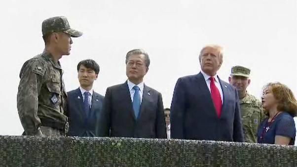 ترامب يصل إلى المنطقة منزوعة السلاح بين الكوريتين قبل لقائه بكيم