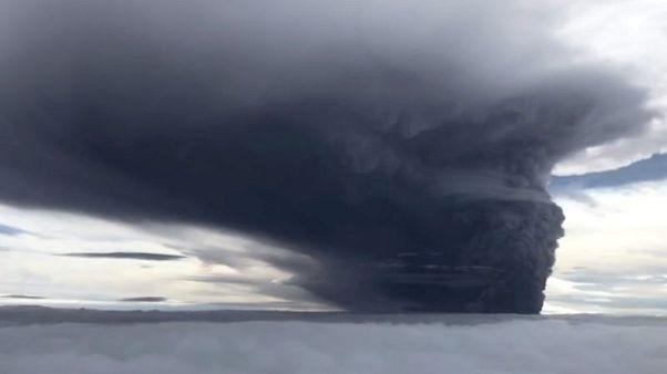 ثورة بركانين في بابوا غينيا الجديدة تجبر 15 ألفا على الفرار من منازلهم