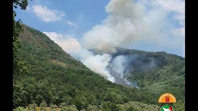 Incendio in Lunigiana, atteso Canadair