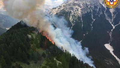 Incendi: fiamme in Cadore sul Col Rosà