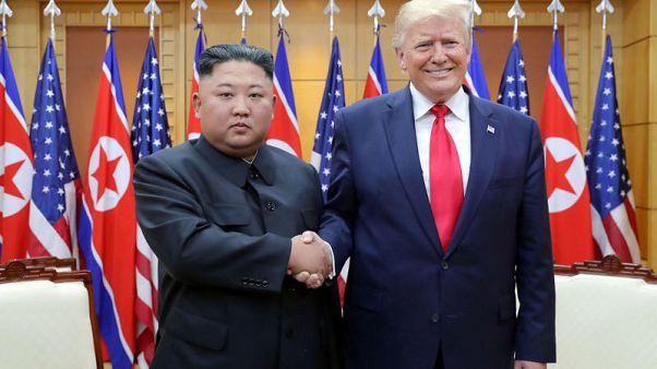 وكالة: كيم وترامب يتفقان على المضي قدما في محادثات لنزع السلاح النووي
