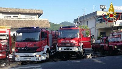 A fuoco deposito giocattoli in Lunigiana