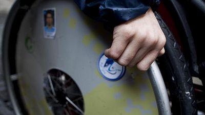 Tenta aiutare figlio disabile, morti