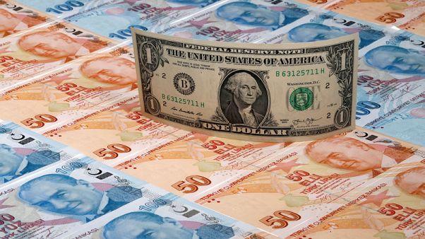 مصدران: تركيا تضاعف ضريبة شراء النقد الأجنبي للأفراد إلى 0.2%