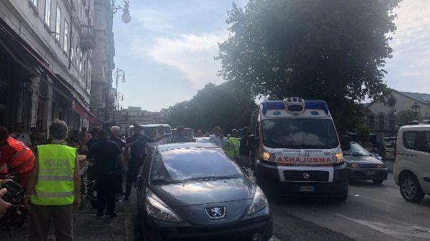 Rissa migranti Trieste, un ferito grave