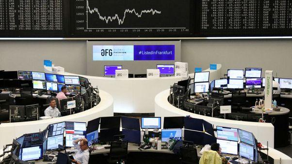 الأسهم الأوروبية تقفز لأعلى مستوى في 12 شهرا بدعم من توقعات بسياسة نقدية تيسيرية