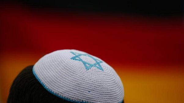 دراسة: الشبان اليهود الأوروبيون يعانون من معاداة السامية أكثر من آبائهم