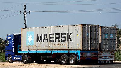 ميرسك تنضم لشركات شحن أخرى وترفع أسعار الحاويات المتجهة إلى الخليج