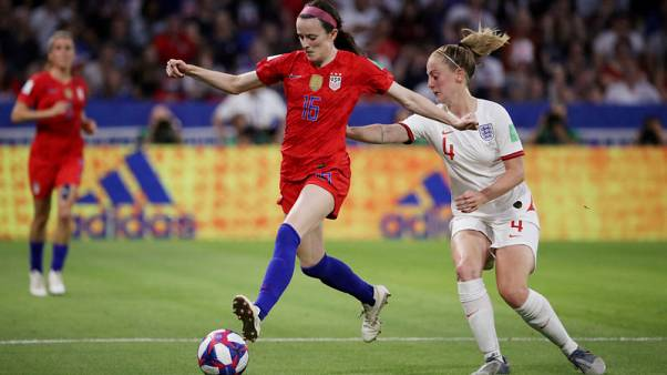 Lavelle gives physical U.S. team a creative touch