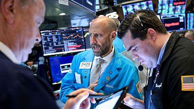 الأسهم الأمريكية تغلق منخفضة بعد تقرير قوي للوظائف في أمريكا قلص التوقعات لخفض الفائدة