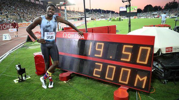 لايلس يشارك في سباق 100 متر في موناكو قبل أن يعلن خططه لبطولة العالم