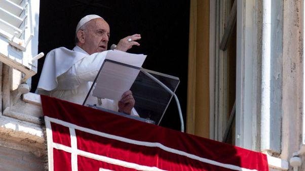 بابا الفاتيكان يدعو إلى فتح ممرات إنسانية لحماية المهاجرين
