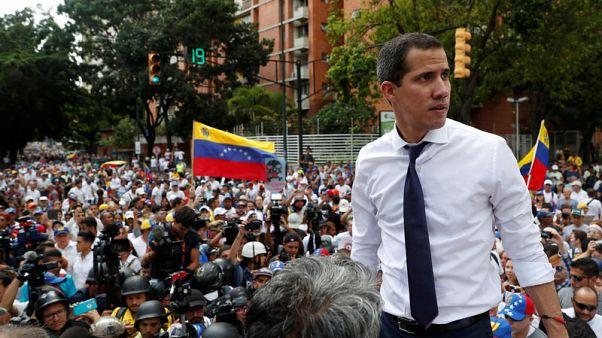 المعارضة في فنزويلا تقول إنها ستجتمع مع ممثلي مادورو