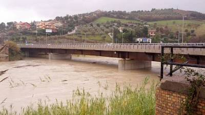 Cadavere in fiume, forse incidente pesca