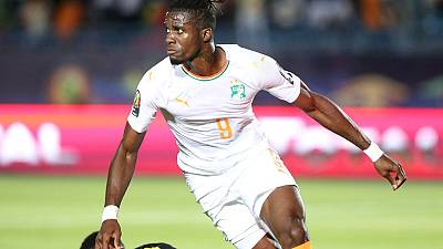 Soccer - Zaha sends Ivory Coast into last eight as Mali fluff their lines