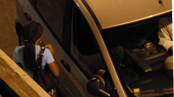 Rituali per far prostituire, 9 arresti