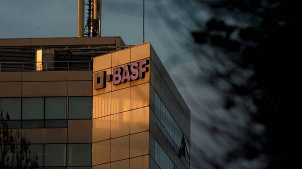 BASF shares down 7.2% after heavy profit-warning